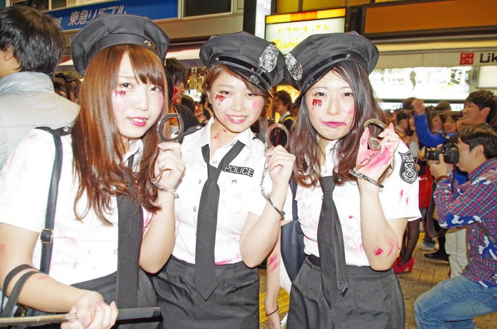 渋谷 ハロウィン 婦警